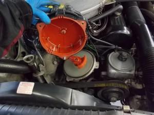 T様、メルセデスベンツ560SEL(W126 )の納車整備を順調に進めております。