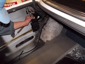 T様、メルセデスベンツ560SEL(W126 )の納車整備模様でございます。